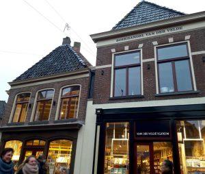 Wethouder: 'Dakkapel Van der Velde geplaatst, lening nog niet verstrekt'